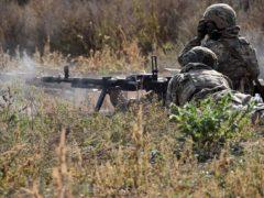 Зарплаты от $1000 и коптеры над головой. Что происходит на линии фронта на Донбассе.