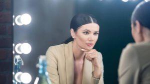"""Ведущая заблокированного телеканала NewsOne Диана Панченко в интервью """"Стране"""" рассказала, что знала о готовящемся закрытии за неделю до указа президента"""
