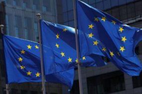 Евросоюз снял санкции с Арбузова и Табачника