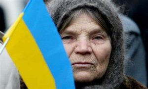 Пенсионеры в Украине стали нищими