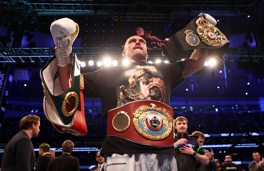 Александр Усик - чемпион мира по боксу. Фото championat.com